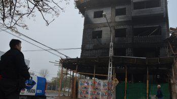Estado en el que quedó el edificio luego de apagado el fuego.