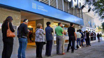 El viernes comienza el pago de sueldos a los estatales