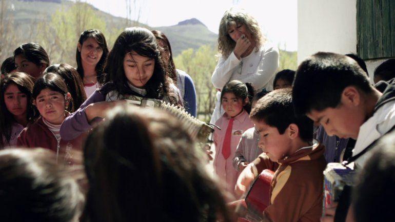 La película de Alejandro Vagnenkos relata la experiencia de la comunidad Millaín Currical con la educación.