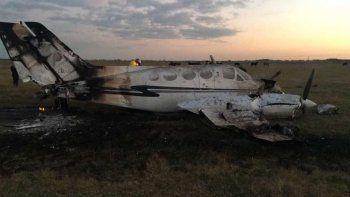 Tres policías heridos tras la caída de una avioneta