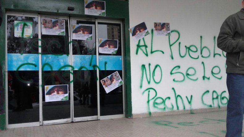 Así quedó el Municipio tras la manifestación.