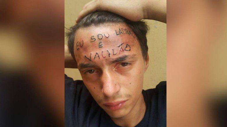 El tatuador y un vecino están presos por torturar a un adolescente.