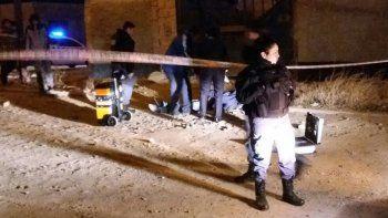 El barrio Zani estuvo convulsionado la noche del sábado por la presencia policial. Lucas Gutiérrez, la víctima.