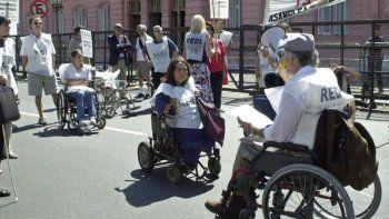Reclamos por la quita de pensiones a personas con discapacidad