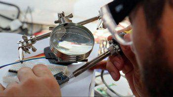 Manos en el chip. Se promueve la ciencia hecha en Neuquén.