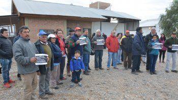 El salvaje crimen de José Roa conmocionó a los vecinos, que ayer se congregaron para pedir mayor seguridad.