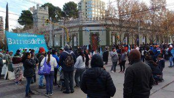barrios de pie reclama asistencia a 800 familias para pasar el invierno