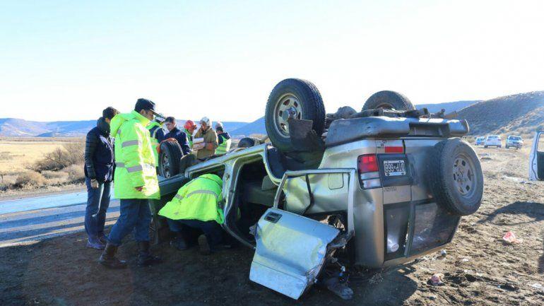 Por el hielo, volcaron y tres mujeres resultaron con heridas