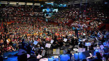 10 mil chicos disfrutaron de la sinfonica en el ruca