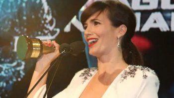 Escote. La actriz recibió feos comentarios por cómo lució en los Martín Fierro.