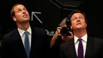 el principe y cameron, envueltos en escandalo de corrupcion de la fifa