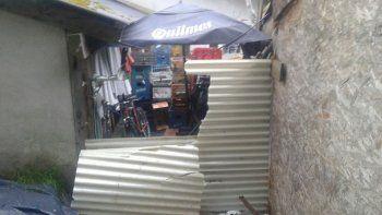Los ladrones rompieron una chapa y accedieron al depósito.