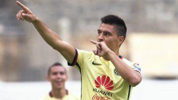 El jugador de 32 años pidió jugar en Boca y así desestimó una oferta superior de Independiente.
