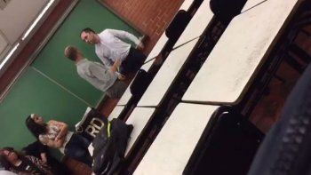 Docente discutió con un alumno y lo invitó a pelear