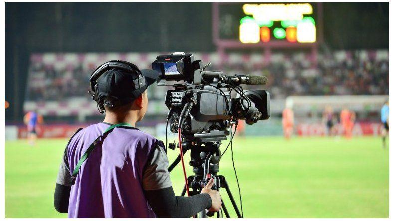 El fútbol que se viene: qué canales transmitirán y cuánto habrá que pagar para ver los partidos