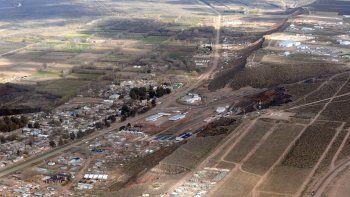 La ciudad fue bloqueada por el sector de Juan Ángel Godoy. El intendente dijo que se paralizarán las obras.