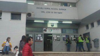 Ya no es chiste: otra vez tiran gas pimienta en el San Martín