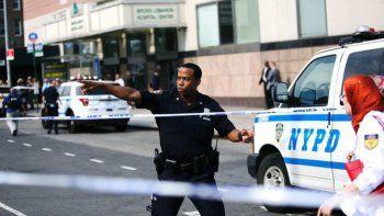 Locura en Nueva York: un hombre disparó con un fusil en un hospital