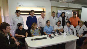 Parte del equipo de médicos del hospital Castro Rendón que participaron del operativo de trasplante renal.