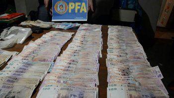 En los procedimientos realizados secuestraron dinero y cientos de dosis de cocaína, y hasta se encontró un sistema de monitoreo en un búnker narco.