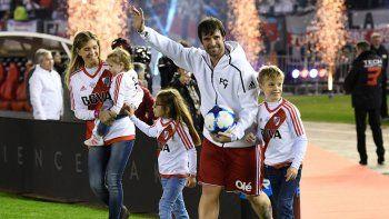 Fernando junto a sus seres queridos. El ídolo vivió una jornada inolvidable y emocionó a todos.