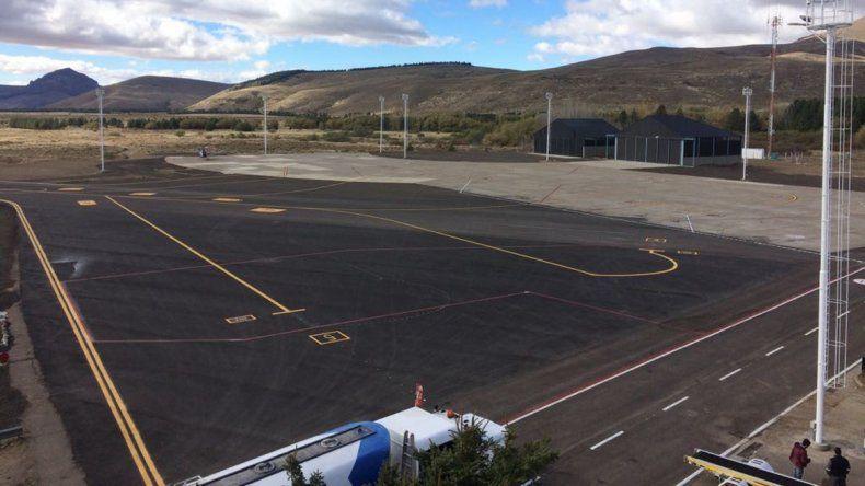 El aeropuerto de Chapelco recibe su primer vuelo nocturno