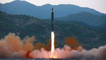 Corea del Norte probó con éxito un misil intercontinental