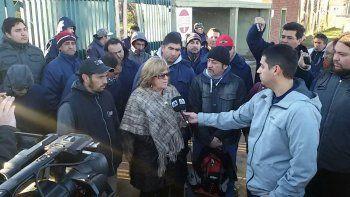 Diputados se solidarizaron con los despedidos de la maderera MAM