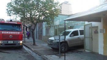 meretrices denuncian que la policia les robo plata, celulares y una gata en un allanamiento