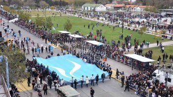 La ciudad conmemora la fiesta patria con un desfile