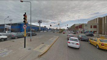 un peaton quedo en grave estado tras cruzar en rojo la ruta 22