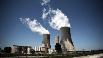 Francia podría apagar hasta 17 reactores nucleares