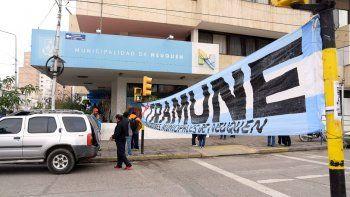 El sindicato municipal cortóla Avenida Argentina.
