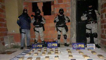 Secuestraron mucha droga y detuvieron a ocho personas.