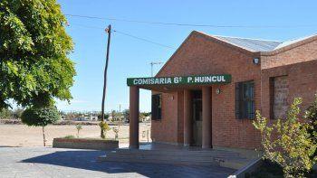 La víctima denunció el robo en la Comisaría Sexta de Plaza Huincul.