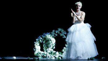 Benjamín Vicuña como Evita. Foto: gentileza Clarín