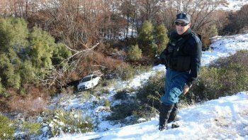 una mujer se despisto por el hielo y volco camino a junin de los andes