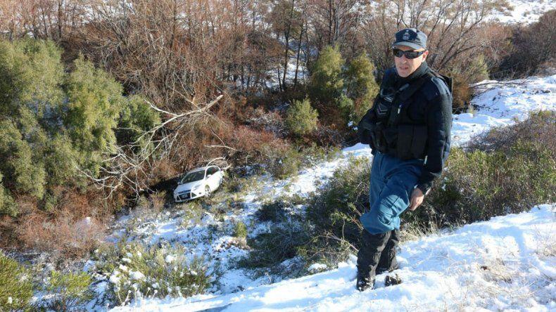 Una mujer despistó por el hielo y volcó en la Ruta 234