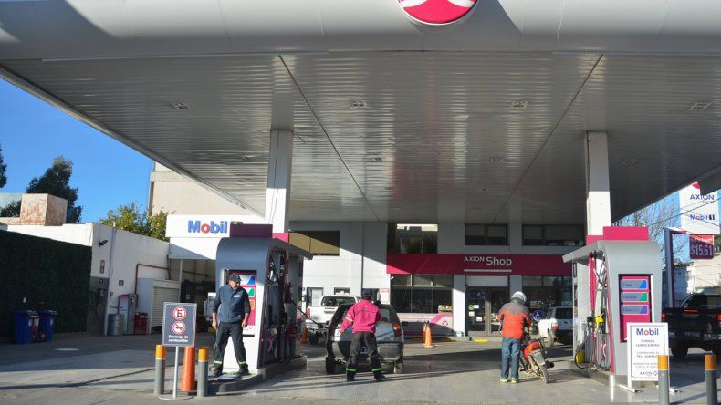 Axion también bajó los precios de sus combustibles