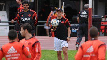 Gallardo y Guillermo meten presión a la dirigencia para terminar de completar sus respectivos planteles.