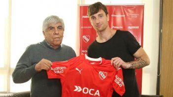El venezolano firmó por dos años y es el segundo refuerzo del Rojo.