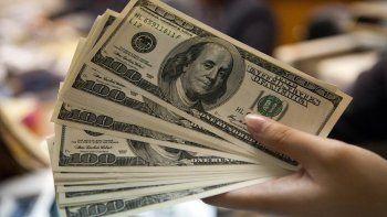 el dolar no para de subir y ya se vende a 18 pesos