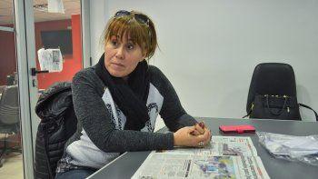 Ana Luján rechazó haber apretado a municipales para que trabajaran en un carrito panchero, que hasta Pipo Cipollatti atendió en su paso por la ciudad.