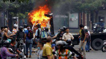 El paro convocado contra Maduro el jueves provocó otros tres muertos.