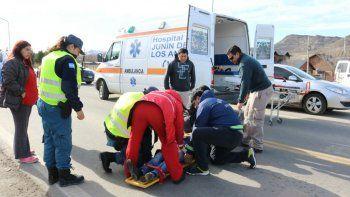 por esquivar un perro, una motociclista resulto herida