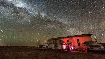 Se colocaron 25 telescopios a lo largo de varios kilómetros de la costa.