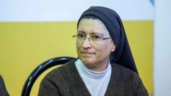 El Papa felicitó a la religiosa por los proyectos a favor de mujeres trans.