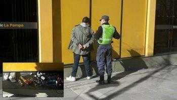 El hombre fue detenido en la zona bancaria sobre Juan B. Justo.