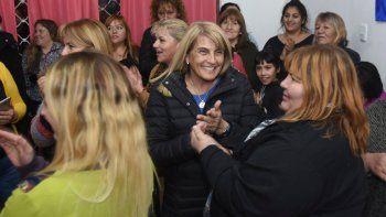 La precandidata a diputada del MPN estuvo en la comarca petrolera.