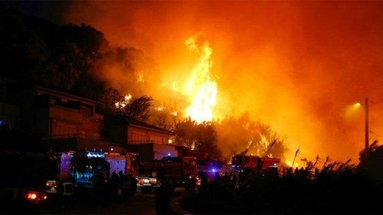 Incendios forestales arrasan 3 mil hectáreas en Córcega